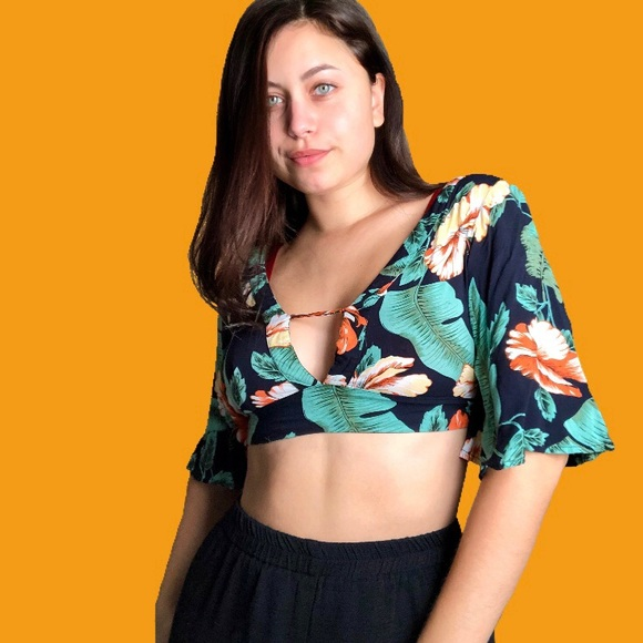 Urban Outfitters Tops - Tropical Print Bell Sleeve Crop Top